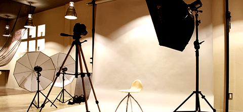 撮影機材、プロメイク道具貸出無料
